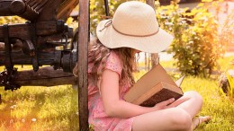 little_girl_reading_a_book